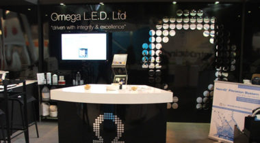 omega-led-stand-4